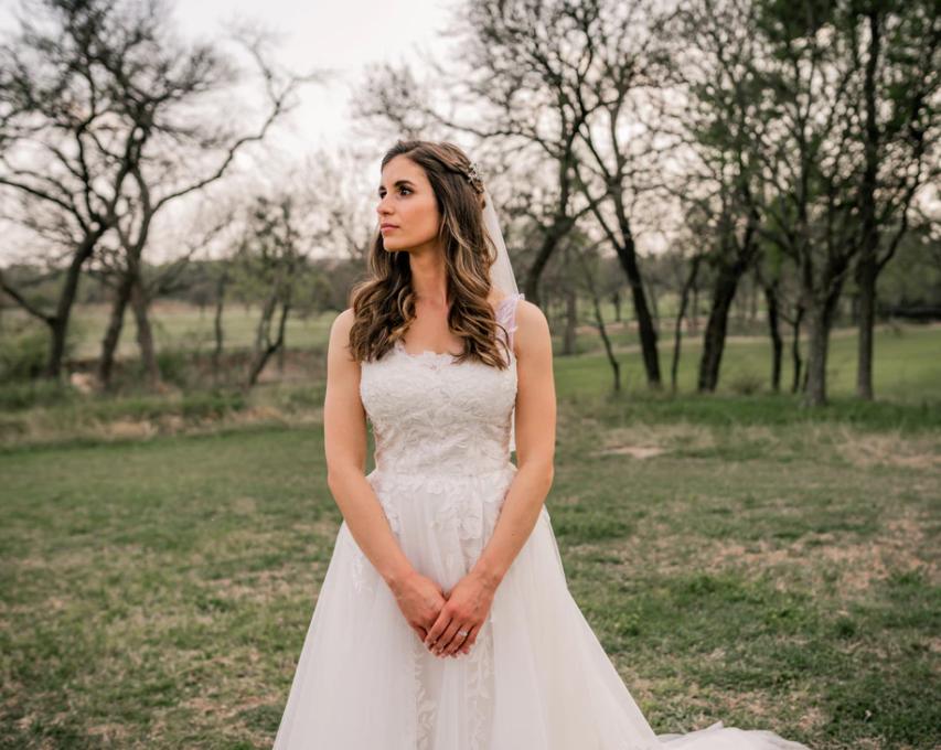 Bruidsjurk gemaakt met bruidslaminaat, plakbatist en spiraalbaleinen, een goede keuze